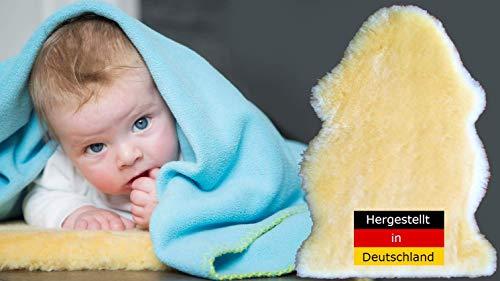 LANABEST Baby Lammfell ca.70cm. Premium Qualität, schadstoffarm. Medizinisch gegerbt, hergestellt in Deutschland. 30°C waschbar. Öko-Tex. Geeignet als Babyfell oder als Schaffell für den Kinderwagen. Geschenkqualität, zart, weich und geruchsarm. Länge ca. 70 cm